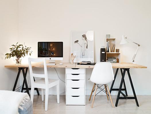 bureau avec tréteau