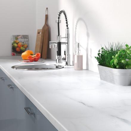 plan de travail marbre blanc